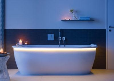Traumbad - Badezimmer Planung - Wellness - Wanne - Duravit-Darling-Wanne-mit-LED