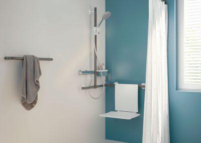 Traumbad - Badezimmer Planung - Wellness - Dusche - Hewi-Reling-Duschsitz
